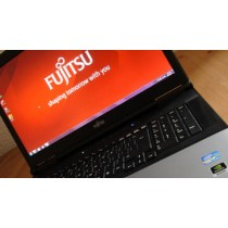"Station graphique FUJITSU Celsius H920 - Core I7 QUAD 3820MQ - 8Go-500Go -17.3""FULL HD + QUADRO - WEBCAM - Win 10 64bits"